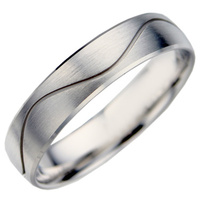 Men's decorative wedding ring from a matching set of wedding rings